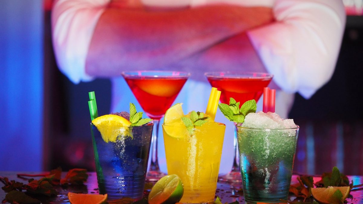 How to Become a Bartender: Tips and Skills You Need