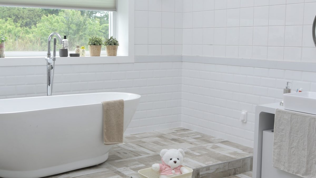 How To Clean Your Bathroom Bit By Bit