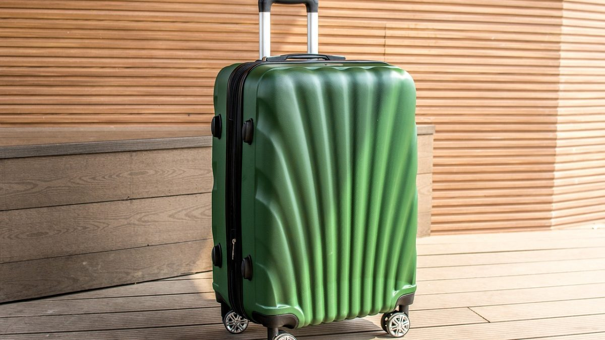 How to Choose the Right Carry on Luggage? Hot Deals and Reviews