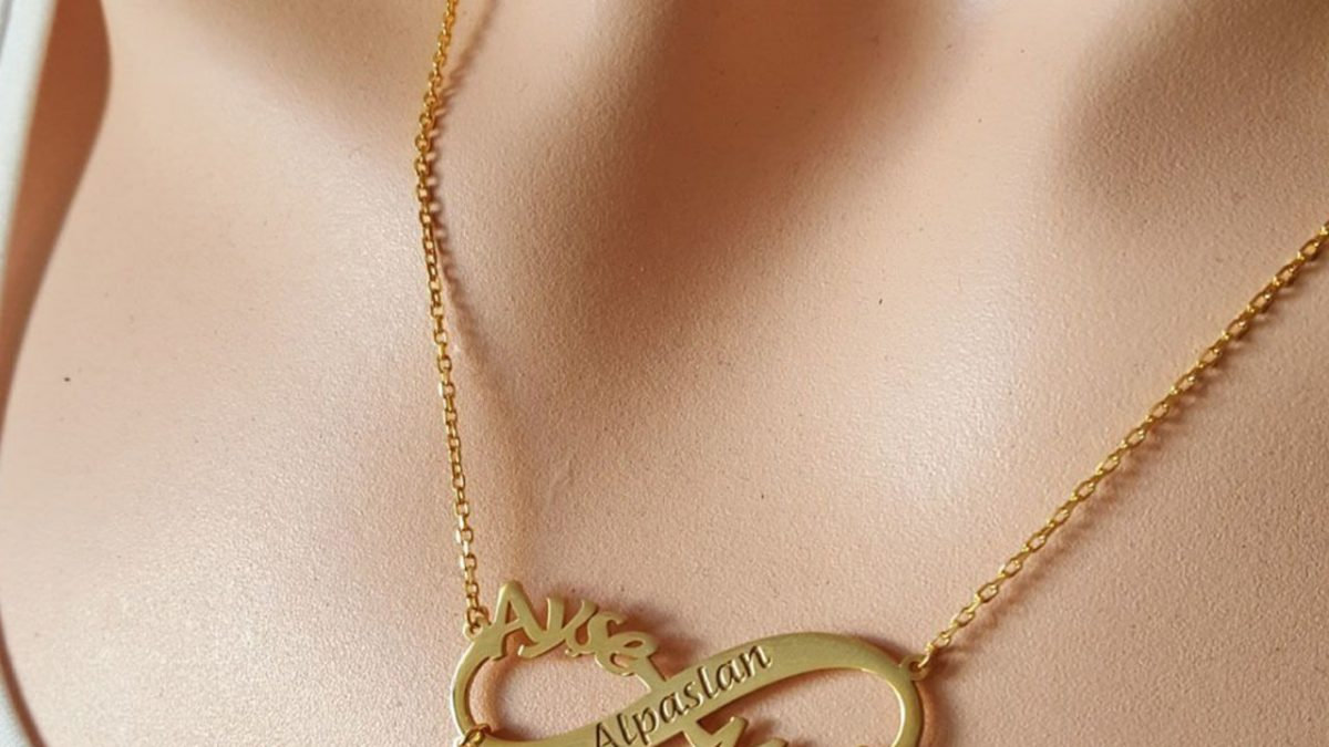 What is the Meaning of Infinity Necklace and How to Wear One?