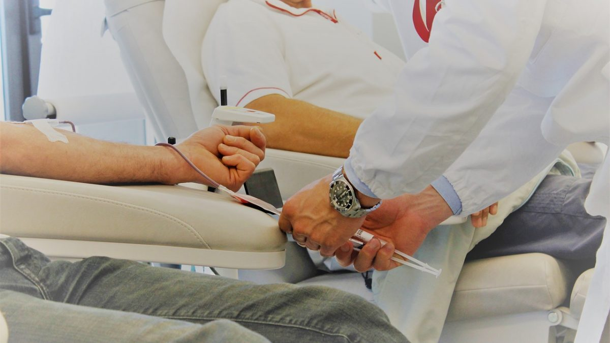 How to Become a Phlebotomist: Training Programs, Certificate and Salary