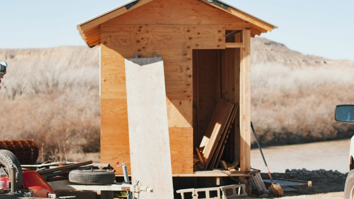 Cost of Building a Shed vs. Buying: is it Cheaper to Build Your Own Shed?