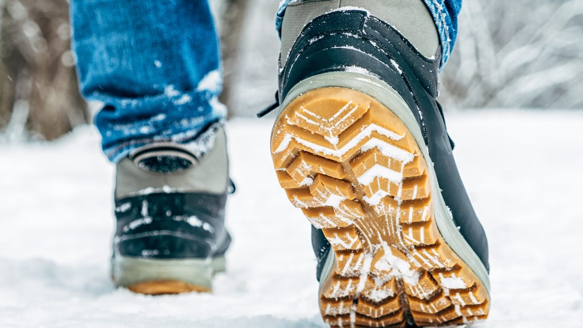 8 Best Heated Insoles for Hunting: Battery Powered vs. Natural Heat