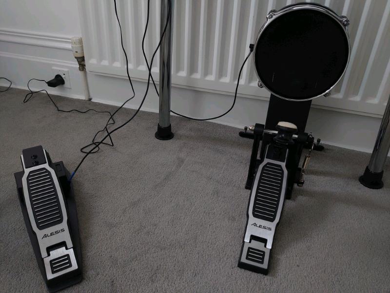 alesis-surge-mesh-kit-pedal